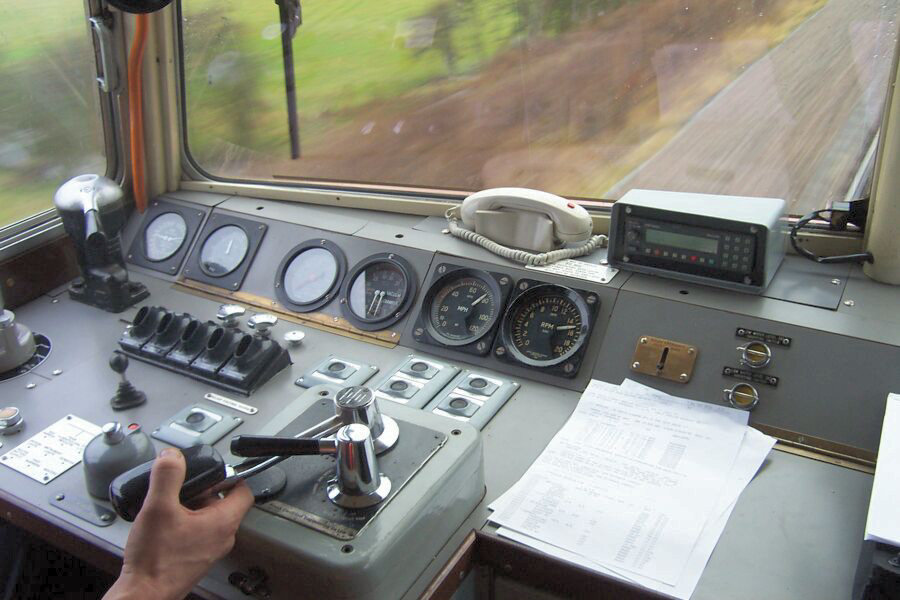 Electric Brake Controller >> Diesel Traction Group - D1015 Western Champion, Western ...